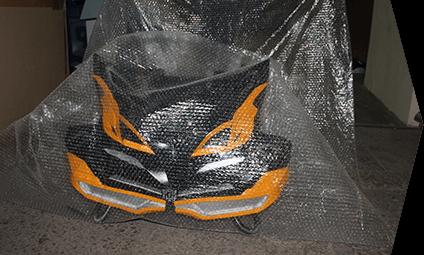Бережная упаковка для доставки костюма робота