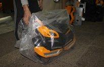 упаковка груза при доставке костюма робота от лиги роботов